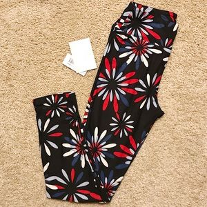 NWT LaLaRoe Red, White & Blue One Size Leggings